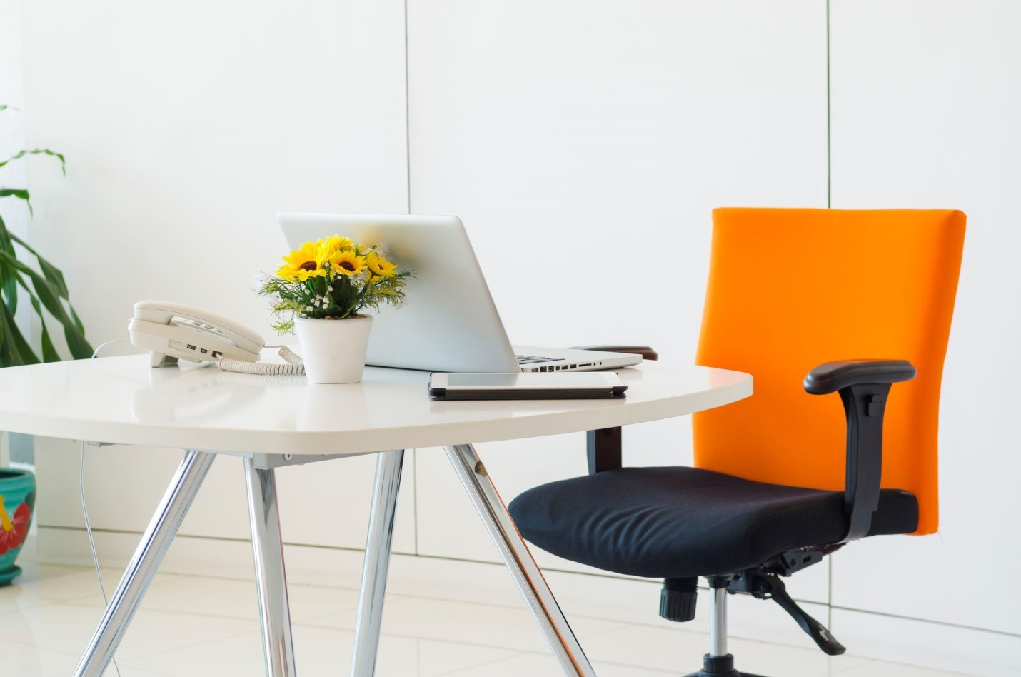 Redesigning Your Home Office This Fall - These Tips Will Help Create an Organized and Inspiring Space in No Time