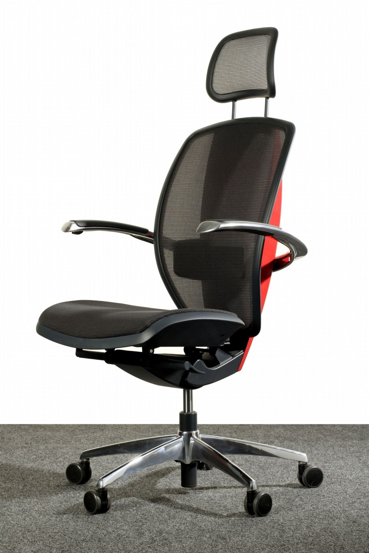 What to Look for and What to Avoid in an Ergonomic Task Chair
